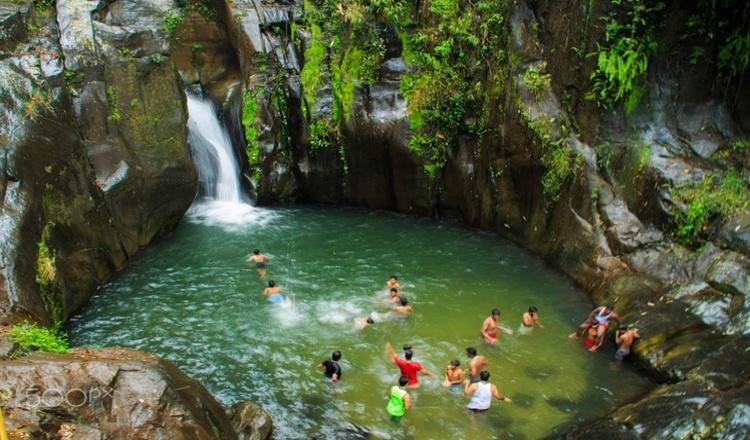 Keralam-Kundu-Waterfalls